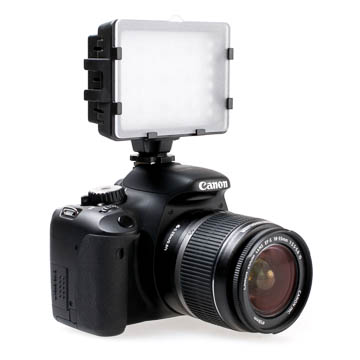 Quenox LED Video Light for Video DSLRs & Camcorder 266lm