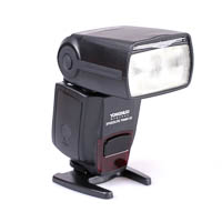 Yongnuo Speedlite YN560-III with integrated Radio Receiver